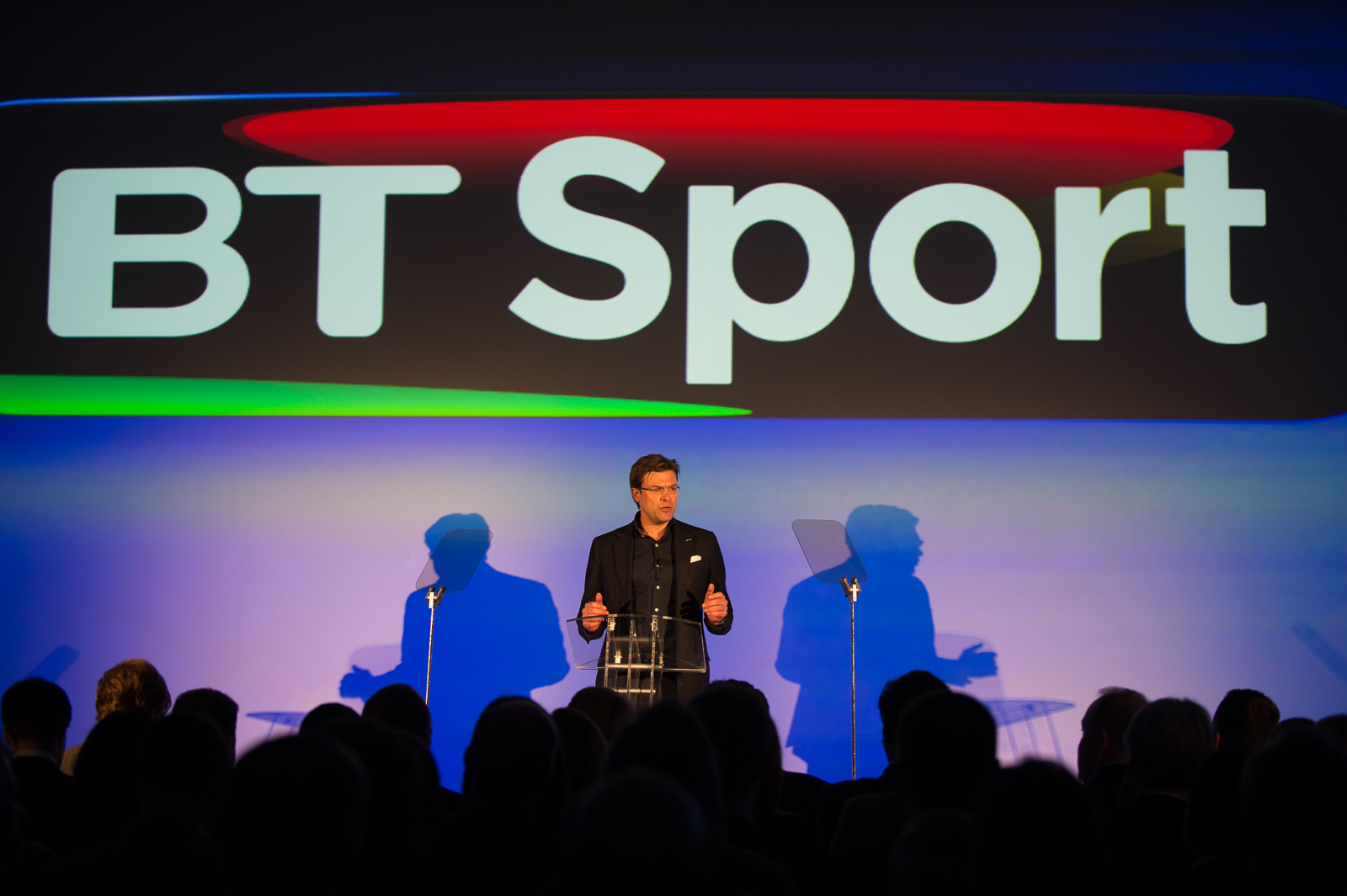Bt to offer free premier league football